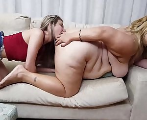 Fat Butt Facesitting Lethal Squeezing and Ball-sac Licking